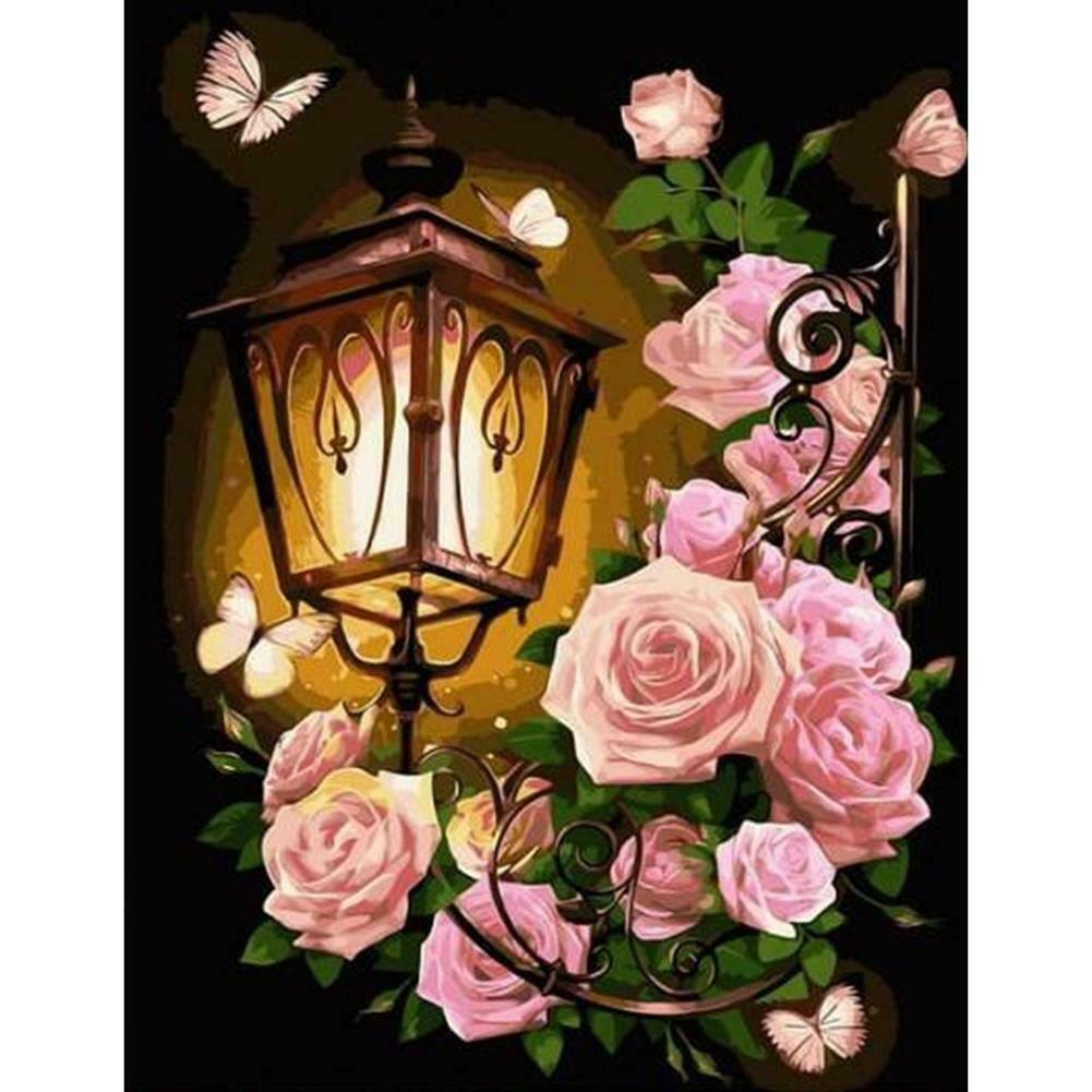 Lámpás pillangókkal és virágokkal a sötétben kreatív gyémántkirakó készlet