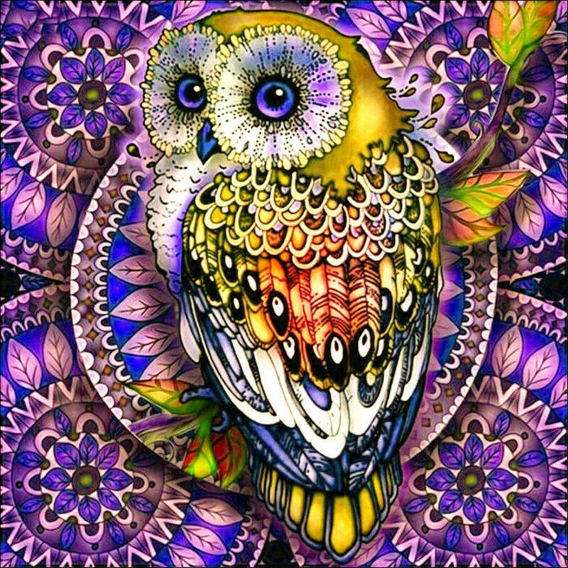 Bagoly lila háttérrel kreatív gyémántkirakó készlet