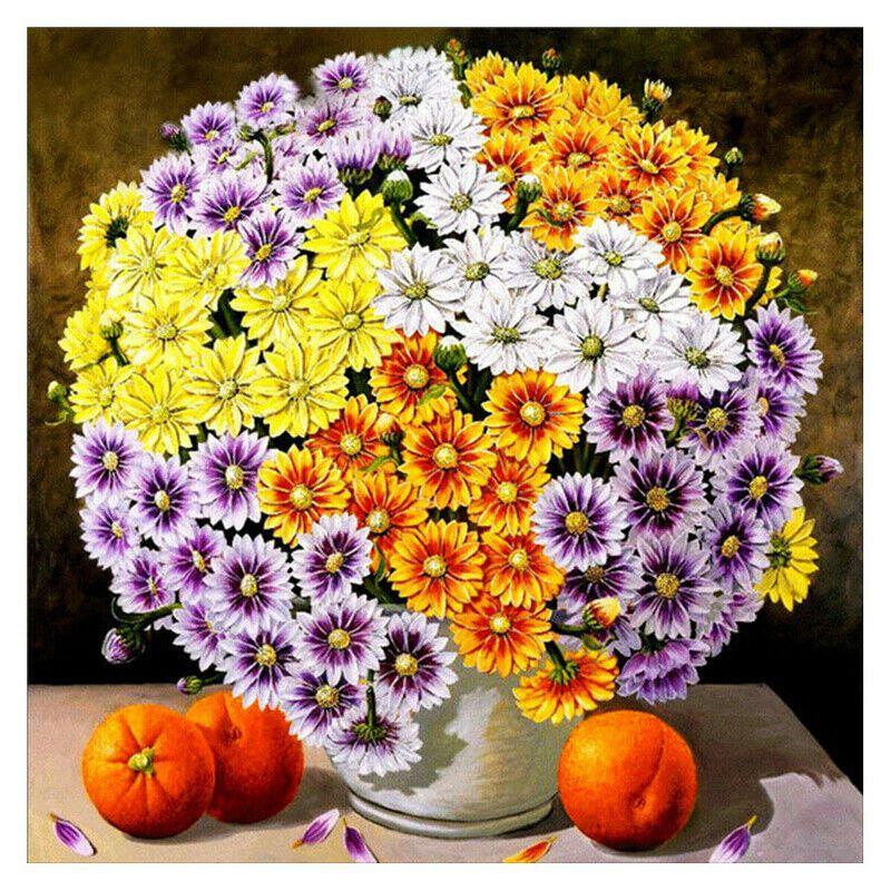 Gömbalakú virágcsokor vázában narancsokkal kreatív gyémántkirakó készlet